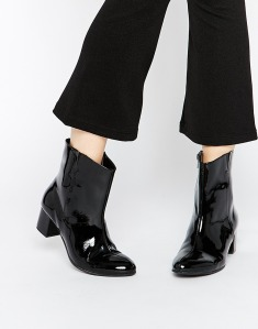 warehouse patent boots